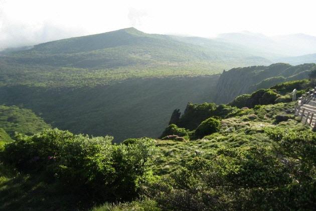 済州の火山島と溶岩洞窟群の画像 p1_9