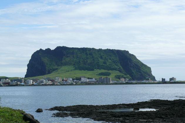 済州の火山島と溶岩洞窟群の画像 p1_12